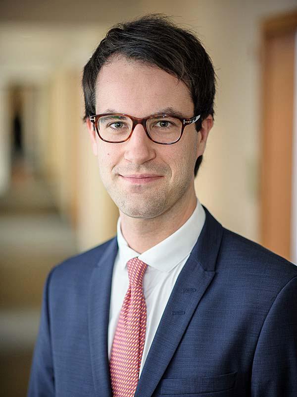 Dr. Carsten Cramer